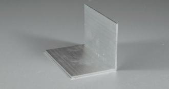 Abschluss- und Haltewinkel für Stegdoppel- / Glasplatten